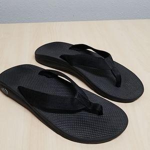 Chacos black flip-flops men's size 10